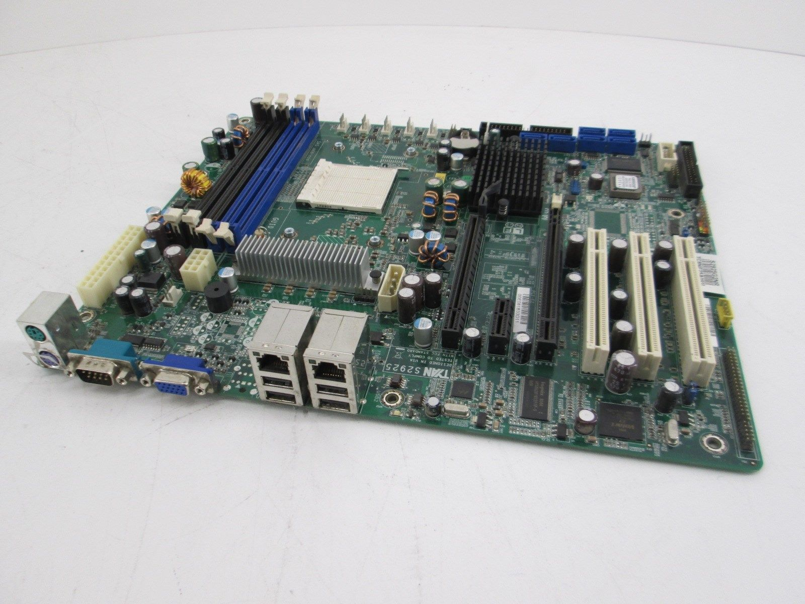 TYAN TOMCAT N3400B (S2925) S2925G2NR NForce Pro 3400 Socket-AM2 SATA Raid, Video, Lan ATX Motherboard